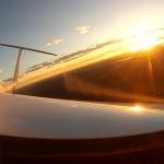Wasserablassen im Sonnenuntergang